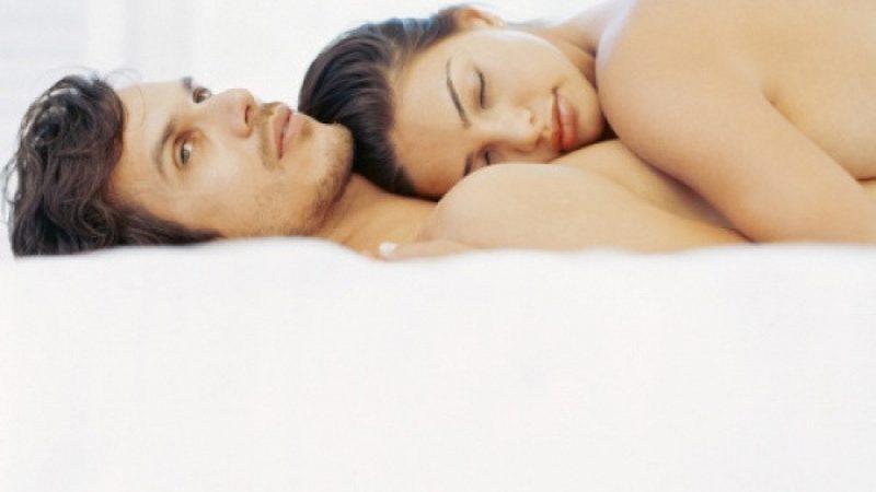 Чому у чоловіка під час статевого акту падає член — причини і лікування