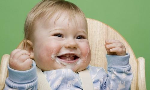 Чому немовля часто зригує?